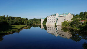 Luxurious  2 bedrooms and 2 baths condo- FERGUS Monkland Mill