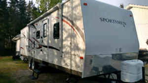 2014 Travel trailer - Sportsmen 320B BHLKSS