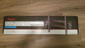 "Rocketfish 32"" - 70"" TV Wall Mount (Tilting)"