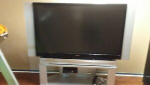 TOSHIBA BIG SCREEN WITH STAND