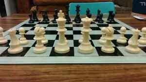 Glass 20 inch glass chess board Kitchener / Waterloo Kitchener Area image 3