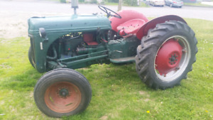 Old tractor ford