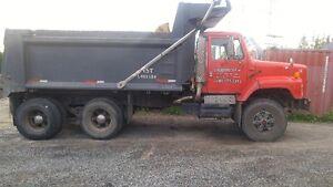Camion gravier International