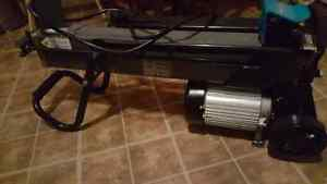ELECTRIC LOG SPLITTER (NEW ) Peterborough Peterborough Area image 1
