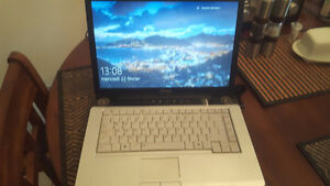 Toshiba Satellite Intel Core 2 duo 2ghz/3 gig ram/hdd 160 win 10
