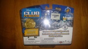 NEW Club Penguin Gary the Gadget Guy set w/ coin 2 inch set