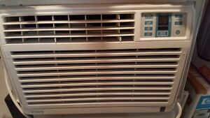 Danby Simplicity Window-Mounted Air Conditioner 5250 BTU
