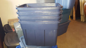 Totes with Lids (68L)