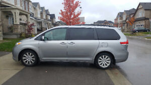 """2011 Toyota Sienna  LE AWD Traction cntr 7 Pass 18"""" Alloy Rims"""