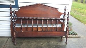 Antique Spool Bed (Double)