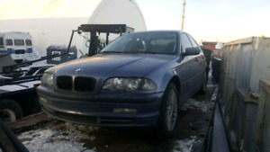 BMW 330xi for parts or rebuild