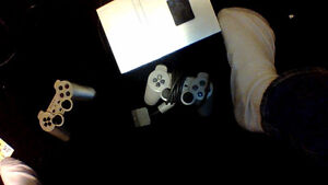 Free MCBoot Modded PS2 Silver Slim Includes 2 Controller andmore Cambridge Kitchener Area image 1
