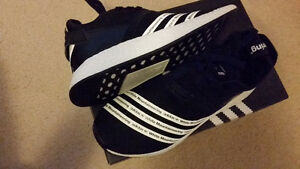 DS adidas Boost WHITE MOUNTAINEERING NMD R2 black