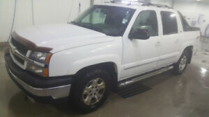 [Safetied] 2005 Chevy Avalanche LT Z71 4x4