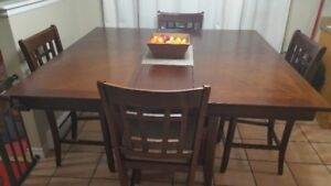 Pub height kitchen table and 4 chairs