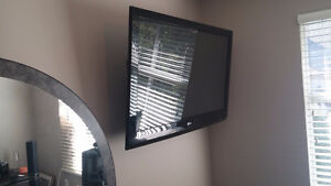 Flat Panel TV Installer Available + MORE !