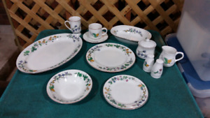 Like New 8 Place Setting of Dishes