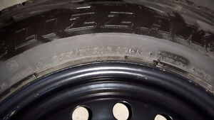 EXCELLENT Blizzaks 235/70r16 Tires and Rims!!! Kitchener / Waterloo Kitchener Area image 2