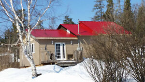HOUSE/COTTAGE IN CHAPLEAU ON