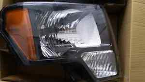 New Ford Fx4 Head Lights (2012) (left and right headlights)