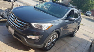 HYUNDAI Santa Fe AWD 2.0T V4 ACCIDENT FREE LOW KM Top of theline