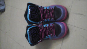 Size 7.5w DC sneakers new
