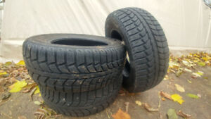 3 pneus hiver uniroyal