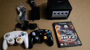 Black Gamecube, 2 controllers, nhl hitz game