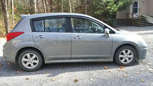 2007 Nissan Versa SL Hatchback