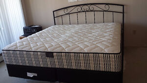 Excellent King size bed and mattress for sale - 699$ (Metrotown)