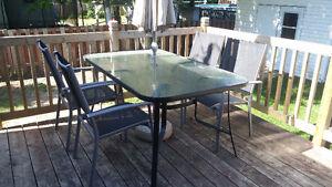 Jolie table de patio 6 places