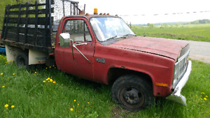 1985 GMC 1 ton dually 2wd