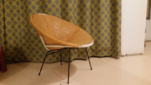 Plastic/woven indoor outdoor chair