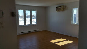 3 bedroom fabulous location, condo style for rent