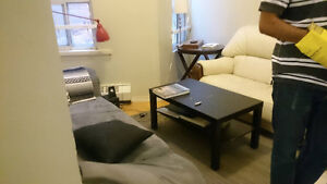 Large room to sublet near Dundas/College - 500m to UofT