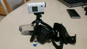 Sony AS200VR action camera with remote