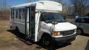 2003 Ford 7.3L turbo diesel small bus