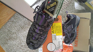 Womens Merrell sz 6 hiking shoes NEW or youth sz4