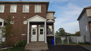 Duplex in Hull, AMAZING LOCATION DOWNTOWN!
