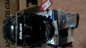 New Youth Bauer Helmet and cage combo Kawartha Lakes Peterborough Area image 3