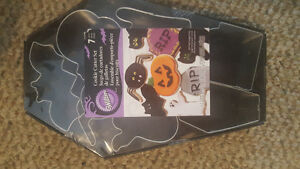 Wilton never used Halloween cookie cutters