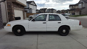 2011 Ford Crown Victoria INTERCEPTOR 4.6 NEW TIRES & GLASS