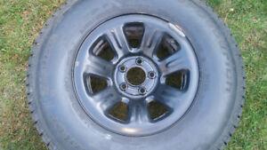 4 pneus hiver 235-75-15