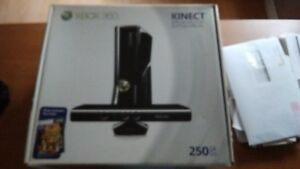 XBOX 360 SPECIAL EDITION WITH KINECT BUNDLE