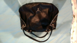 Black and gold guess purse