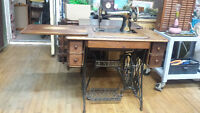 """ANTIQUE SINGER SEWING MACHINE """"TREDDLE STYLE"""""""