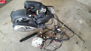 Vespa 50 LX engine complete only 801 km  PERFECT!! London Ontario image 1