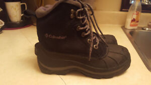 LADIES COLUMBIA WINTER BOOTS