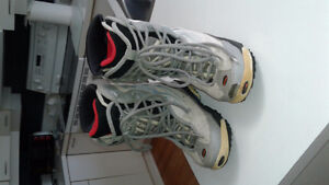 Grey and Blue Snowboard Boots Women's Size 9 For Sale $10