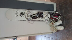 Snowboard and boots Stratford Kitchener Area image 2